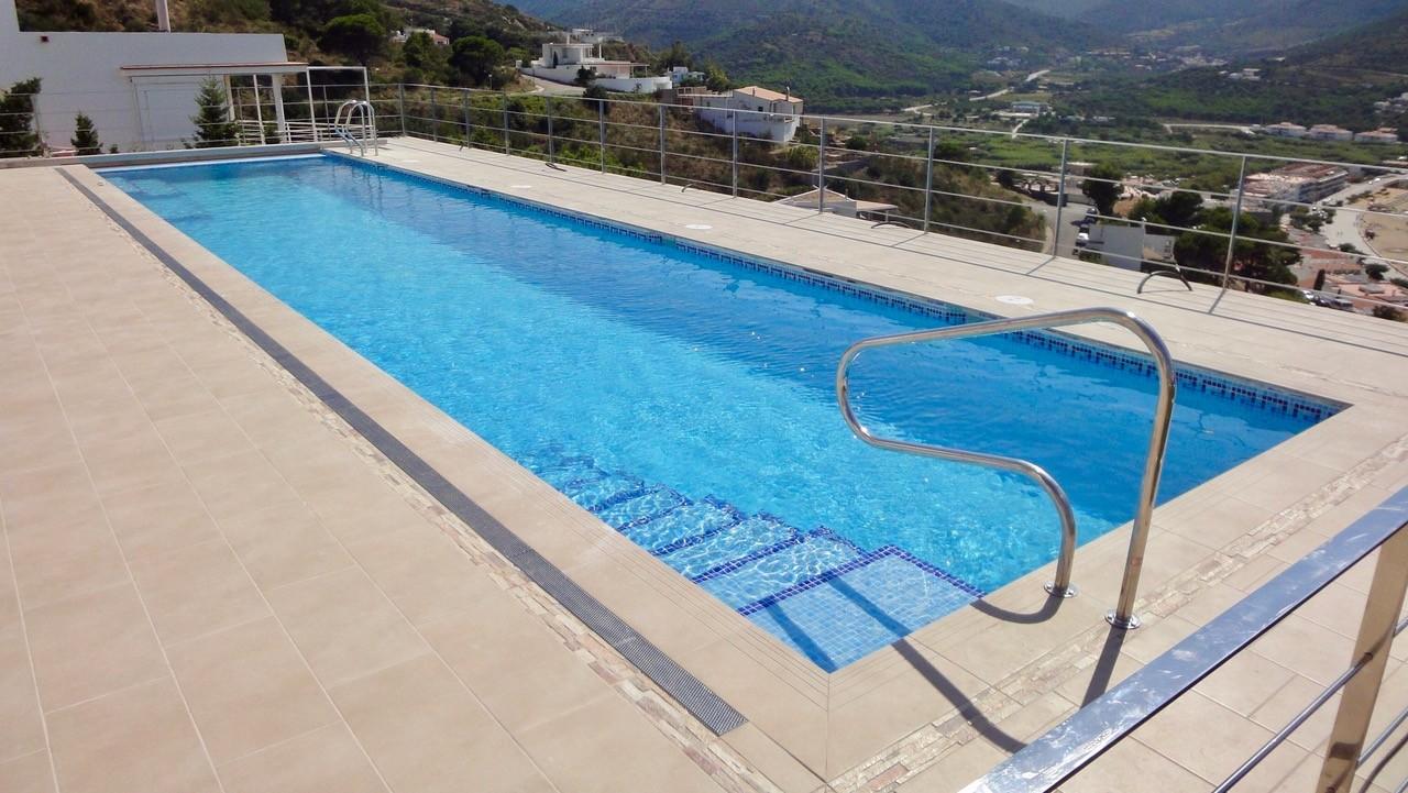 Constructeur piscine b ton perpignan mille et une piscines - Bassin piscine inox perpignan ...
