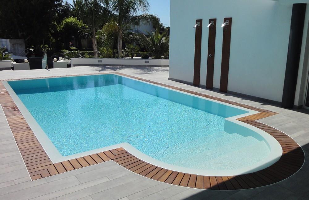 Constructeur piscine miroir haut de gamme mille et une for Constructeur piscine