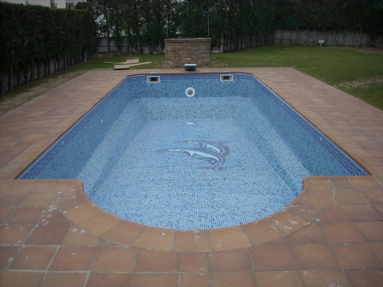 Rénovation piscine coque en pâte de verre