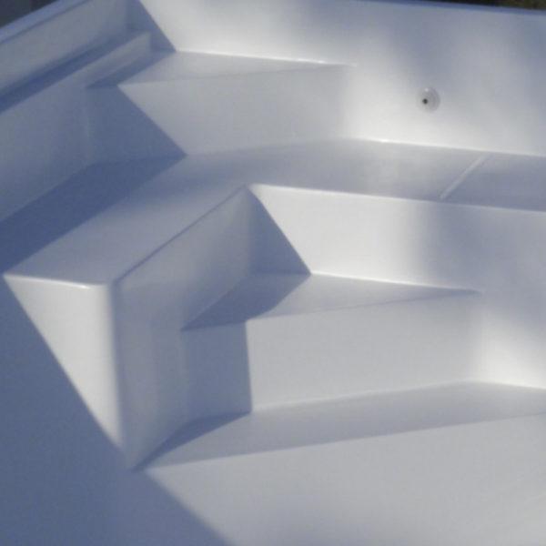 escalier banquette mini piscine coque